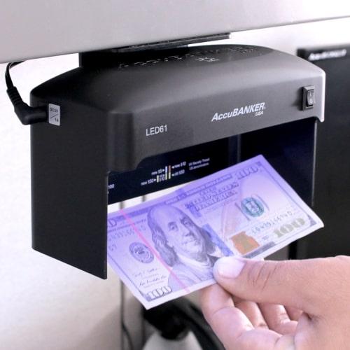 2-AccuBANKER LED61 controlador de billetes